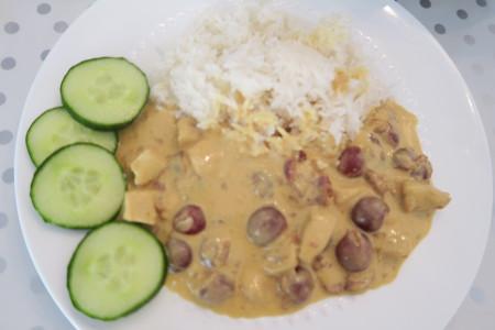 Recept: Rijst met kipkerrie en kersen